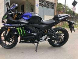 Título do anúncio: Yamaha R3, 4.300km?