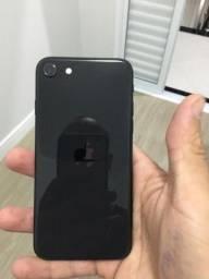iPhone SE 2020 2ª Geração 128GB Preto.