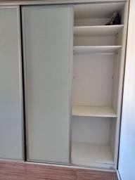 Roupeiro porta de vidro jateado