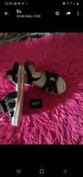 Vendo sandalinhas pra criança *aceito cartão de crédito