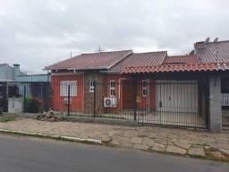 Casa de dois dormitórios na rua Cairú R$380Mil