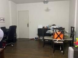 Apartamento com 3 Quartos e 3 banheiros para Alugar, 70 m² por R$ 1.900/Mês
