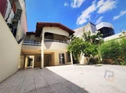 Casa duplex com vocação comercial a poucos metros da pracinha do Lago Jacarey!