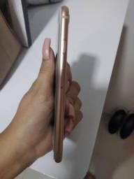 Iphone 8 - 64g  R$1.890,00