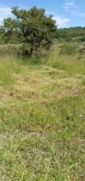 Sítio 3 hectares, com escritura,  luz e água de poço artesiano em Riacho dos Machados MG