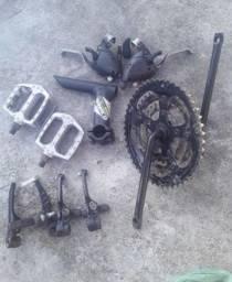 Título do anúncio: Desapegando peças pra bicicleta