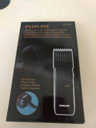 Máquina de corta cabelo e aparar a barba