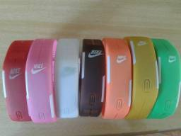 9fea03cca9f Relógio Pulseira Digital em LED Nike - Últimas Unidades