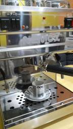 Vendo cafeteira nemox top.pro italiana semi novo