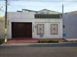 Centro - Casa Plana 86m² com 2 quartos e 02 vagas