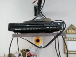 TV e dvd R$300