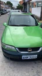 Carro vectra com jogo de roda e teto solar