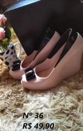 Vende se sandálias