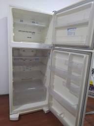 Geladeira Electrolux DF35 260L (Não está gelando)