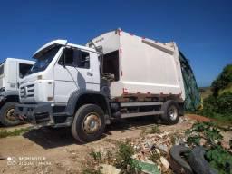 Caminhão Compactador VM 17.180