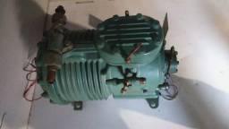 Motor / Compressor Britsney Para Refrigeração Industrial (Aceitamos Cartão)