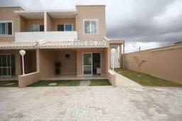 Vendo casa projetada em condomínio no Eusébio com 2 quartos.