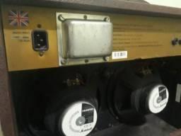 Caixa Amplificada Marshall (fabricação britânica)