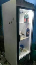 Cervejeira toda Boa bem espaçoso pra vender logo