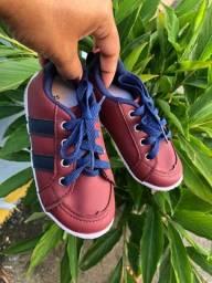 Título do anúncio: Dois sapatos TAM 25