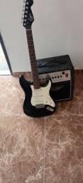 Título do anúncio: Guitarra e amplificador passo cartão em até 12x