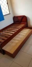 Bicama de mogno com colchões bi cama