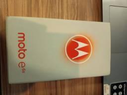 Título do anúncio: Moto e6s na caixa