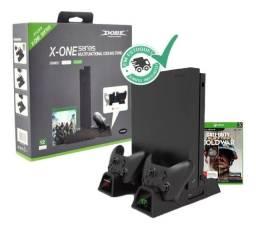 Suporte Base Vertical Para Xbox One S / X Cooler Dock + Bateria Extra