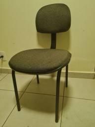 Cadeira de escritório sem braço