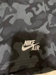Bermuda Nike, símbolo refletivo