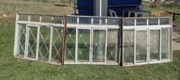 Título do anúncio: Janela usada com vidro Oferta