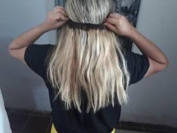 Mega hair na tela loiro