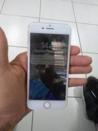 IPhone 7 128 semi novo sem nenhum arranhão pegando tudo perfeitamente
