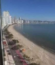 Lindo apartamento frente ao mar
