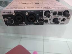 Interface / placa de audio usb midi Roland
