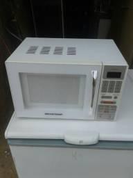 Microondas bratemp 18 litros semi-novo