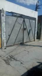 Alugo casa no bairro feira X toda forada