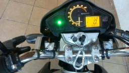 Vendo uma linda moto Honda ano 2010 - 2010
