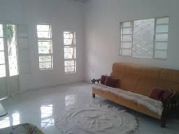 Aluga-se casa em Luis Eduardo Magalhães-BA, no bairro Vereda Tropical