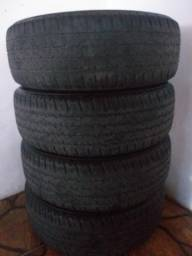 Jogo de pneus 215/65R16