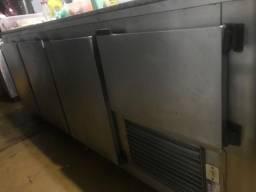Bancada refrigerada de 3 metros