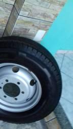Roda do caminhão iveco com pneu 225/75/16 goodyear cargo (tudo novo)
