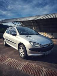 Peugeot 206 - 1.6 - Completo - 2005 - R$ 8500,00