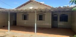 Casa com 03 quartos na Vila São José