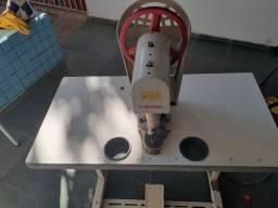 Máquina de prega botão caldeira de 3.5 litros e mais de 700 de matriz