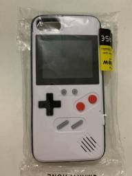 Capa de iPhone 8 com jogos