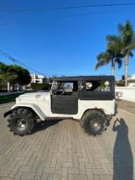 Título do anúncio: Jeep toyota Bandeirantes