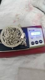 Cordão de prata e medalha