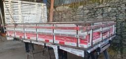 Carroceria de madeira - 3,50 Comprimento - 2,20 Largura