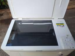 Impressora modelo <br>Epson Stylus Tx 123 scaner